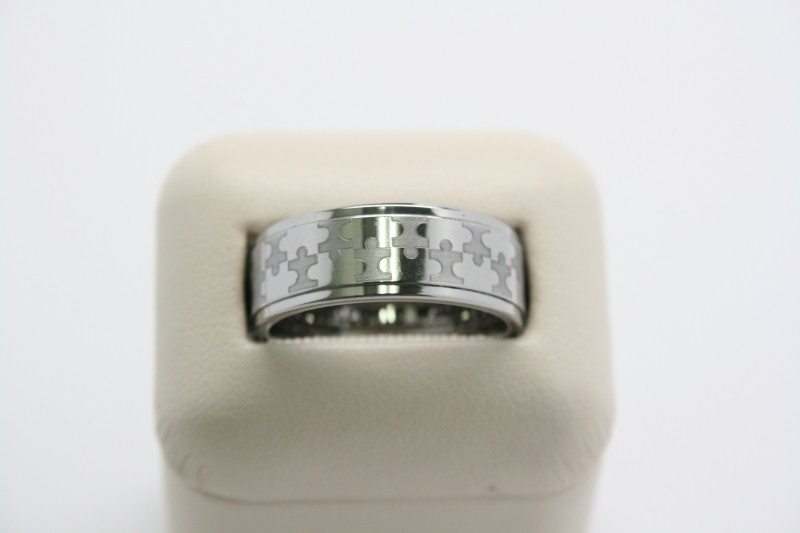 GENT'S TUNGSTEN RING SIZE 8