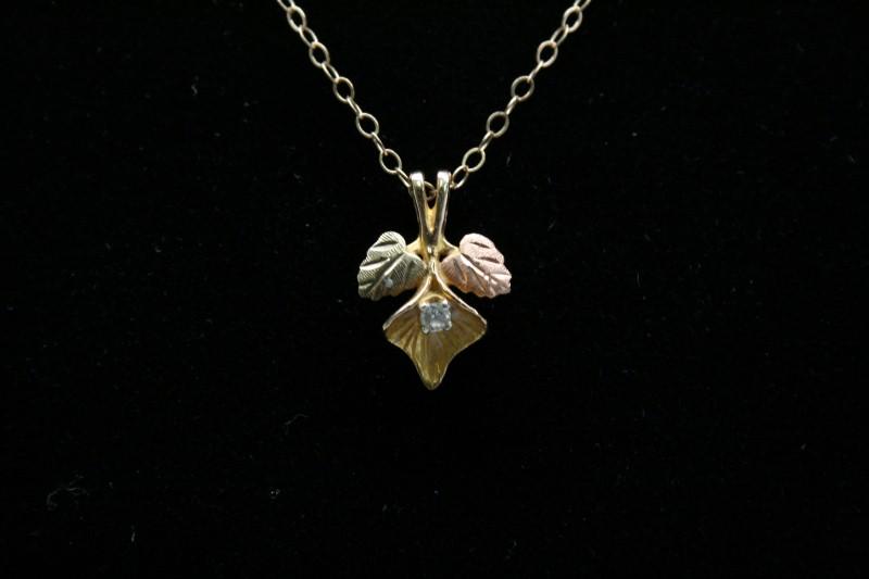 BLACK HILLS GOLD DIAMOND PENDANT 10K TRI COLOR GOLD