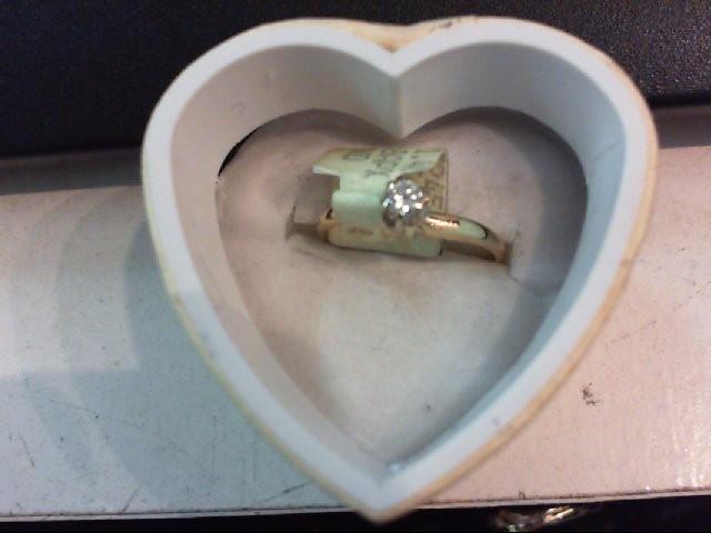 Lady's Diamond Engagement Ring .10 CT. 14K Yellow Gold 1.6g
