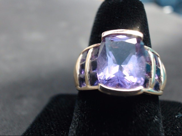 Amethyst Lady's Stone Ring 10K Yellow Gold 5.4g Size:7