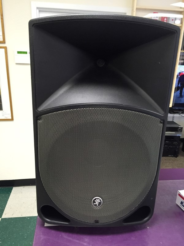 Mackie Thump Series TH-15A 400-Watt 15""