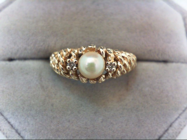 Pearl Lady's Stone & Diamond Ring 2 Diamonds .04 Carat T.W. 14K Yellow Gold