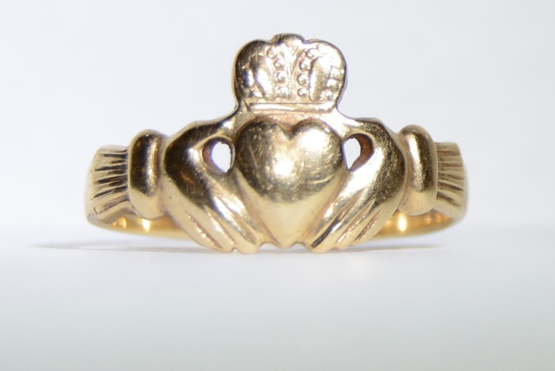 9K Solid Yellow Gold Classic Irish Wedding Claddagh Ring Band Size 10.5