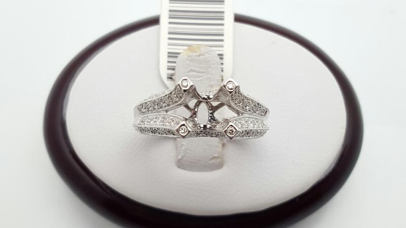 Lady's Diamond Engagement Ring 85 Diamonds .85 Carat T.W. 18K White Gold 7.7g
