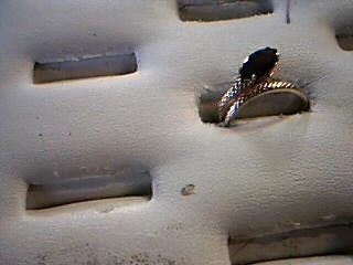 Red Stone Lady's Stone Ring 10K Yellow Gold 1.5g