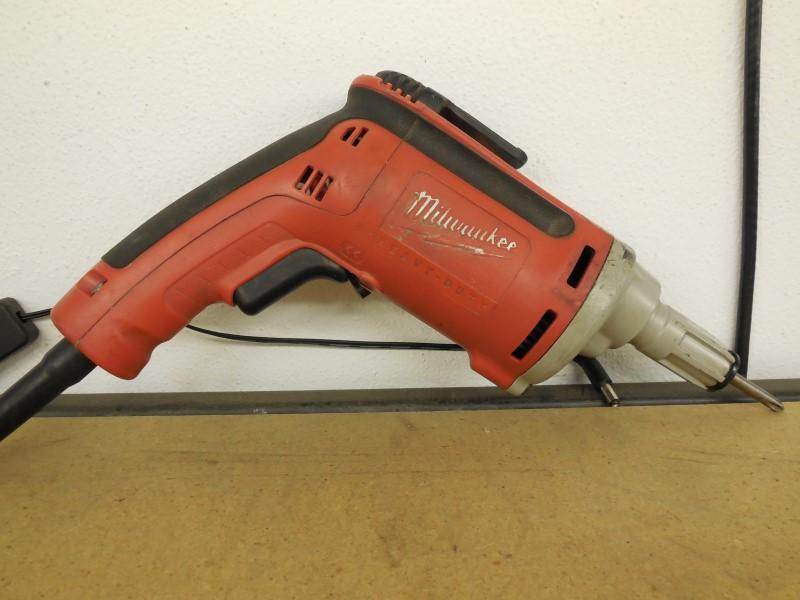 MILWAUKEE Screwgun 6742-20