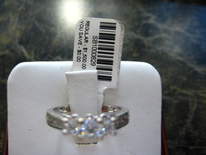 Lady's Gold Ring 14K White Gold 1g