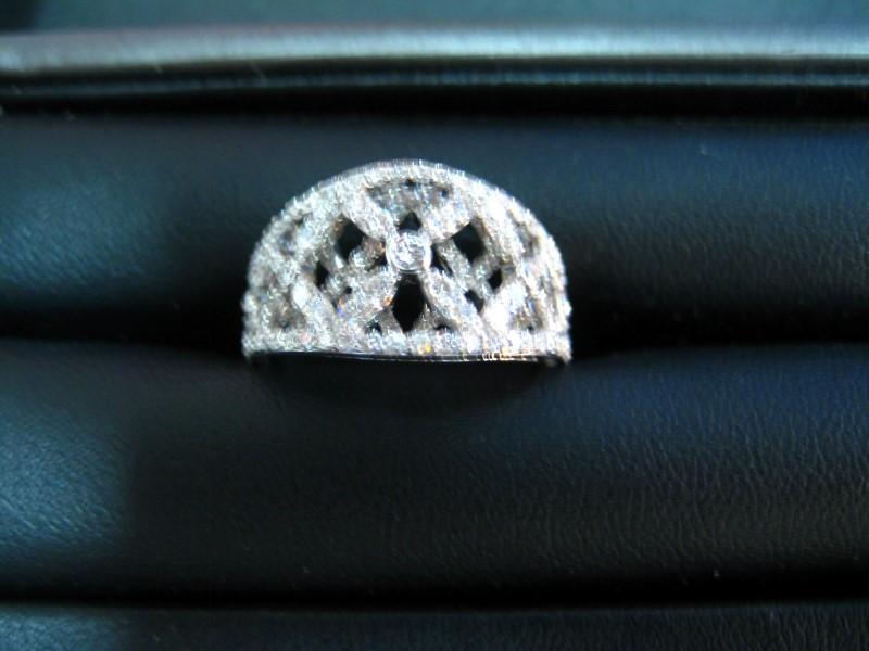 Lady's Gold Ring 18K White Gold 1g