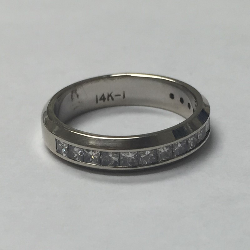 Lady's Diamond Solitaire Ring 16 Diamonds .48 Carat T.W. 14K White Gold 2.3dwt