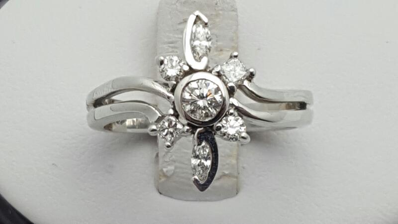 Lady's Diamond Cluster Ring 7 Diamonds 0.47 Carat T.W. 14K White Gold 4.5g Size: