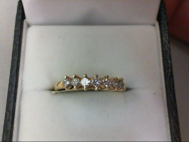 Lady's Diamond Wedding Band 7 Diamonds 0.28 Carat T.W. 14K Yellow Gold 1.8g