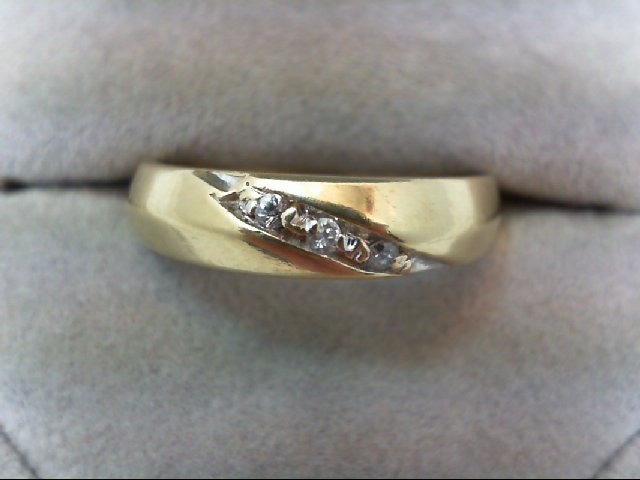 Gent's Gold-Diamond Wedding Band 3 Diamonds 0.03 Carat T.W. 14K Yellow Gold 5.2g