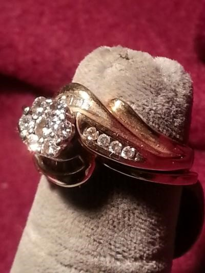 Lady's Diamond Wedding Set 15 Diamonds .29 Carat T.W. 14K Yellow Gold 6.7dwt