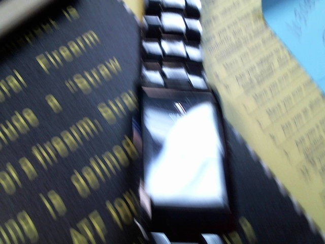 GUESS Gent's Wristwatch 610610