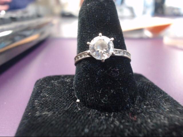 White Stone Lady's Stone Ring 14K Yellow Gold 2.9g