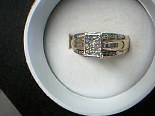 Lady's Diamond Cluster Ring 46 Diamonds .94 Carat T.W. 10K Yellow Gold 3.86g
