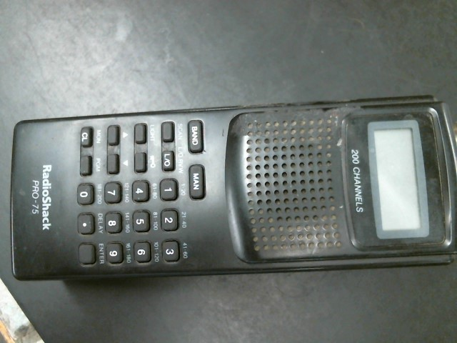 RADIO SHACK Police Scanner PRO-75 200-CHANNEL PORTABLE SCANNER 200-0312B