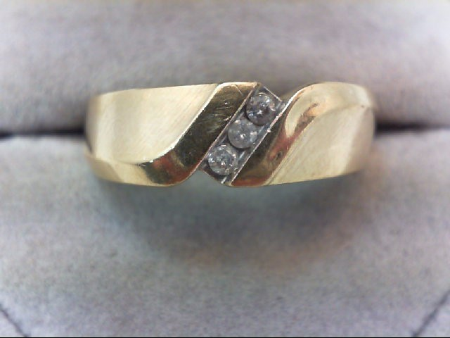 Gent's Gold-Diamond Wedding Band 3 Diamonds .09 Carat T.W. 10K Yellow Gold 5.1g
