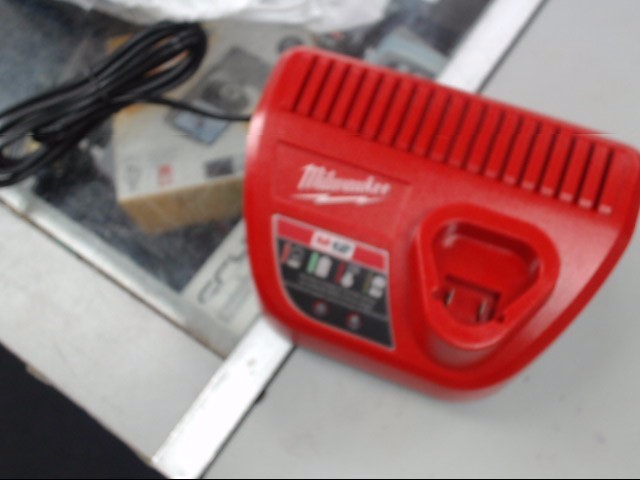 MILWAUKEE Battery/Charger 48-59-2401