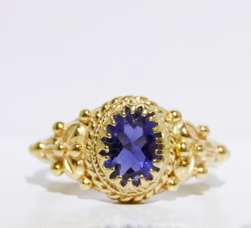 14K Yellow Gold Romantic Royal Purple Oval Tanzanite Ring Size 6.25