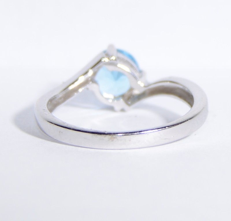 14K White Gold Bypass Shank Basket Set Round Blue Topaz Solitaire Ring sz 5