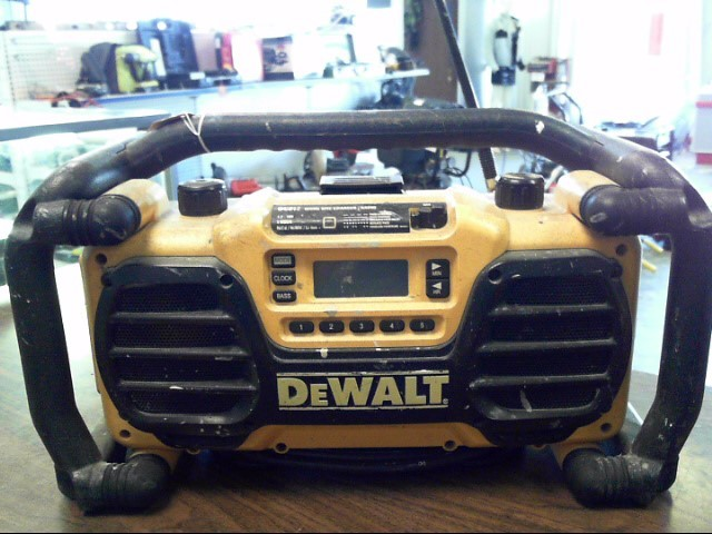 DEWALT Boom Box DC012