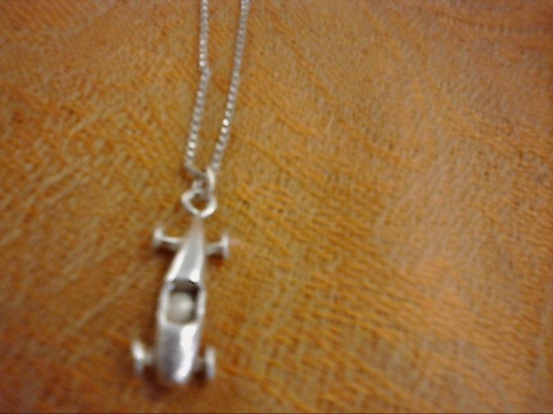 NECKLACE JEWELRY JEWELRY, 3.40 DWT; BOX CHAIN WITH LITTLE CAR CHARM