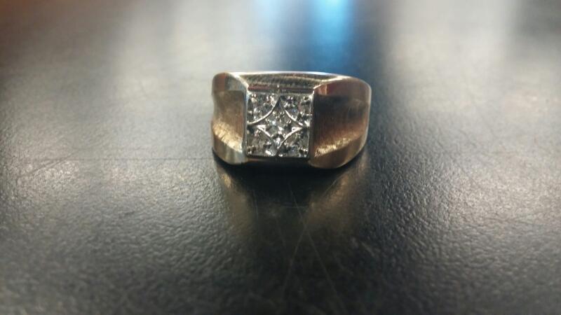 Gent's Diamond 14K GOLD Ring 5 Diamonds