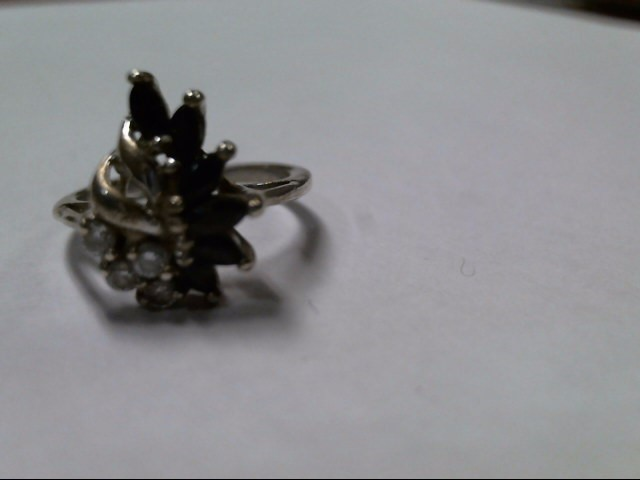 Lady's Silver Ring 925 Silver 2.8g