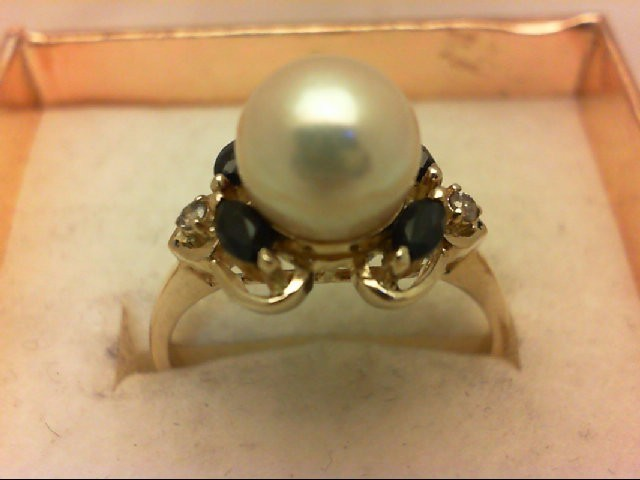 Pearl Lady's Stone & Diamond Ring 2 Diamonds 0.04 Carat T.W. 14K Yellow Gold 3.2