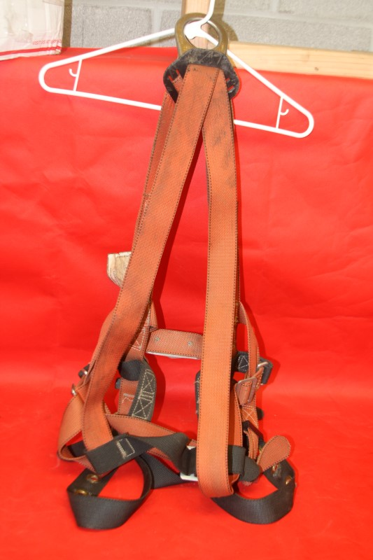 KLEIN TOOLS 8-7021 FALL-ARREST / POSITIONING HARNESS SIZE **LARGE**