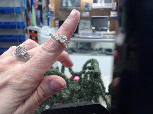 Lady's Diamond Engagement Ring 3 Diamonds 1.75 Carat T.W. 18K Yellow Gold
