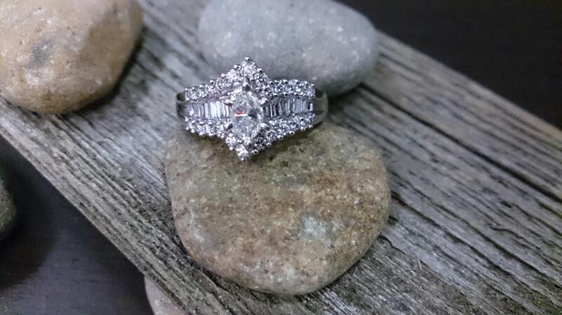 Lady's Diamond Fashion Ring 41 Diamonds 1.32 Carat T.W. 14K White Gold 5.9g