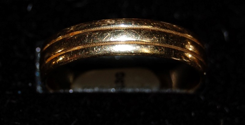 14K Yellow Gold Gent's Wedding Band 4.3G Size 11