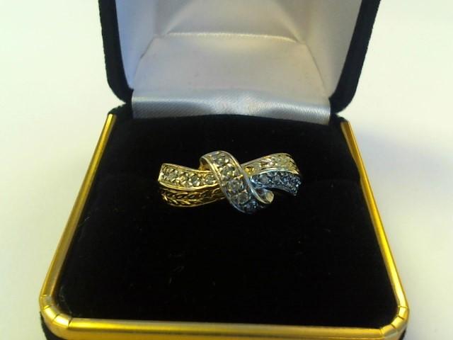 Lady's Gold Ring 10K White Gold 3.1dwt