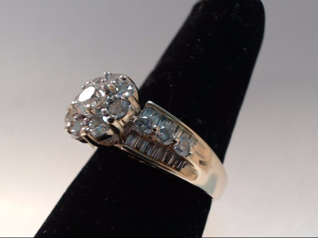 DIAMOND FASHION RING 46 Diamonds 2.00 Carat T.W. 14K Yellow Gold 6.53g