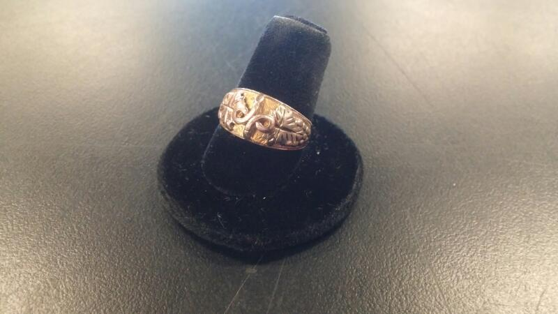 Lady's Gold Ring 10K Yellow Gold 2.6dwt Size:6