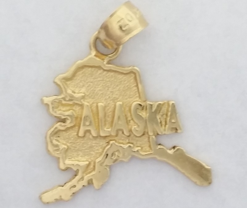 Alaska Pendant set in 14K Yellow Gold 2.03g