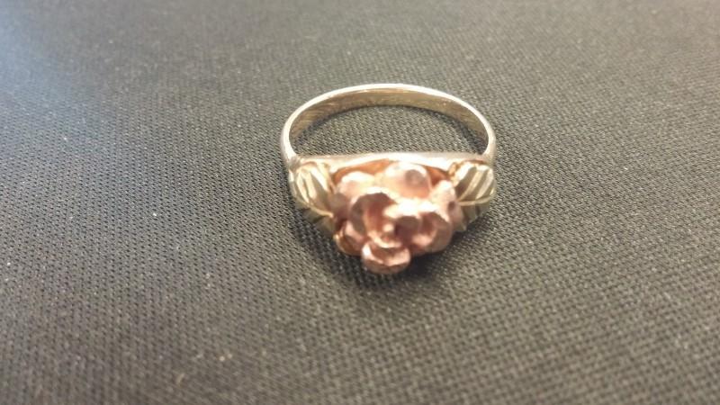 LADY'S GOLD RING: 10K-3TONE SIZE: 7BLACK HILLS GOLD ROSE FLOWER RING
