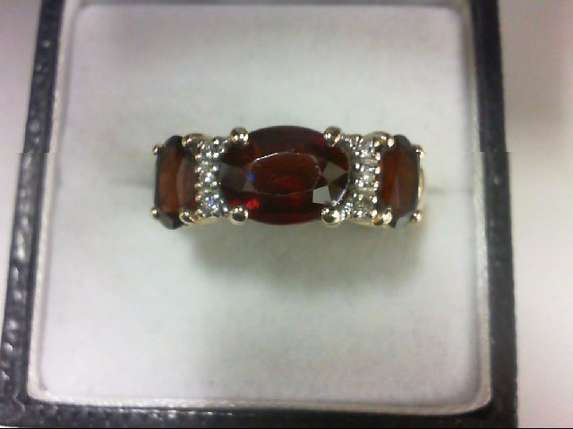 Almandite Garnet Lady's Stone & Diamond Ring 6 Diamonds 0.06 Carat T.W. 14K Yell