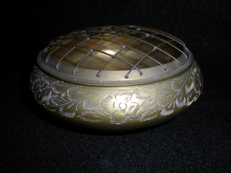 INDIA ZY - BRASS PLATED ASHTRAY