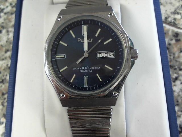 PULSAR Gent's Wristwatch Y113-616F