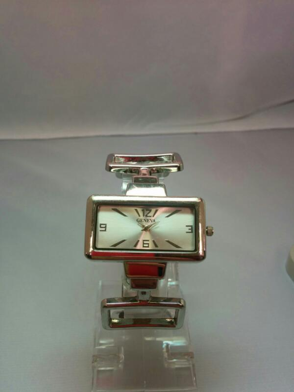 GENEVEA Lady's Wristwatch