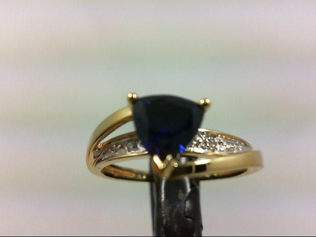 Lady's Diamond Fashion Ring 2 Diamonds .02 Carat T.W. 10K Yellow Gold 2g