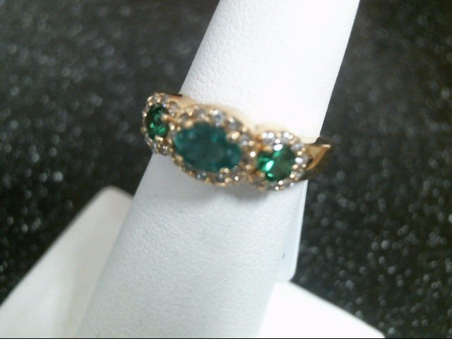 Green Stone Lady's Stone & Diamond Ring 28 Diamonds .28 Carat T.W.