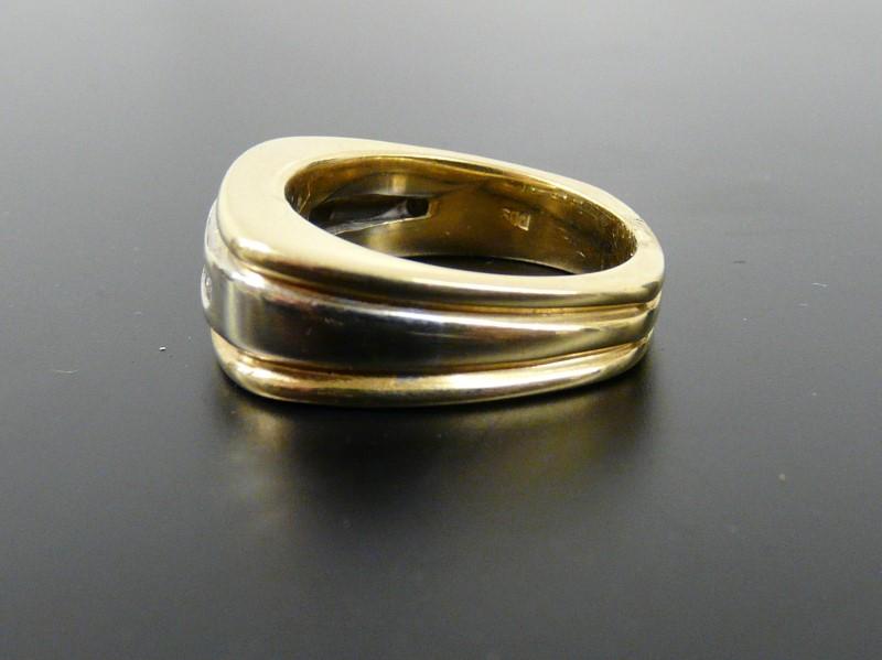 Gent's Diamond Fashion Ring 5 Diamonds .25 Carat T.W. 14K Yellow Gold 11.67dwt