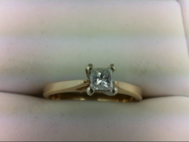 Lady's Diamond Solitaire Ring 0.2 CT. 14K Yellow Gold 2.6g