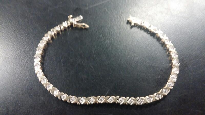 GENTS 10KT Gold-Diamond Bracelet DIAMOND 37 Diamonds .037 Carat T.W.
