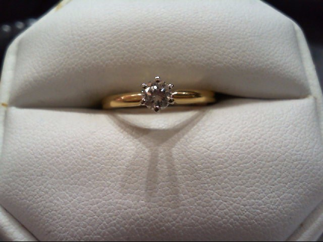 Lady's Diamond Engagement Ring .30 CT. 14K Yellow Gold 1.7g