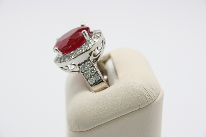 LADY'S RUBY & DIAMOND RING 14K WHITE GOLD